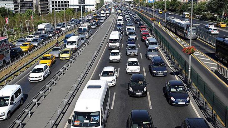 Trafiğe 8 ayda 419 bin 944 aracın kaydı yapıldı
