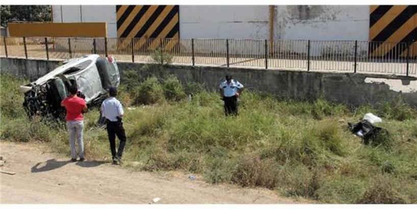 Trafik Kazası Kız Kardeşleri Ayırdı