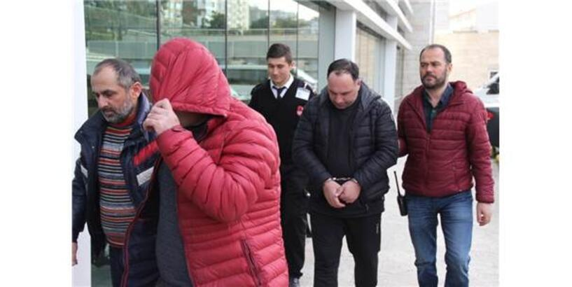 Yabancı Uyruklu Hırsızlar 150 Bin Lirayı Film Senaryosu Gibi Yöntemle Çaldılar