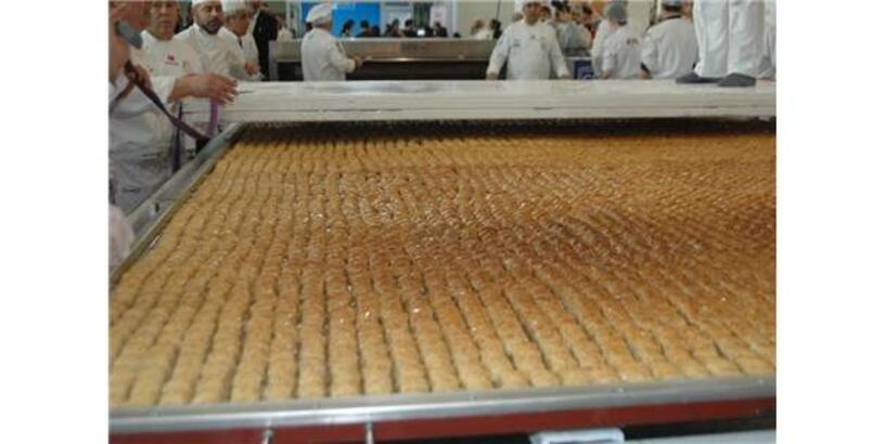 513 Kilogramlık Türk Baklavası Guinness Rekorlar Kitabı'na Girdi