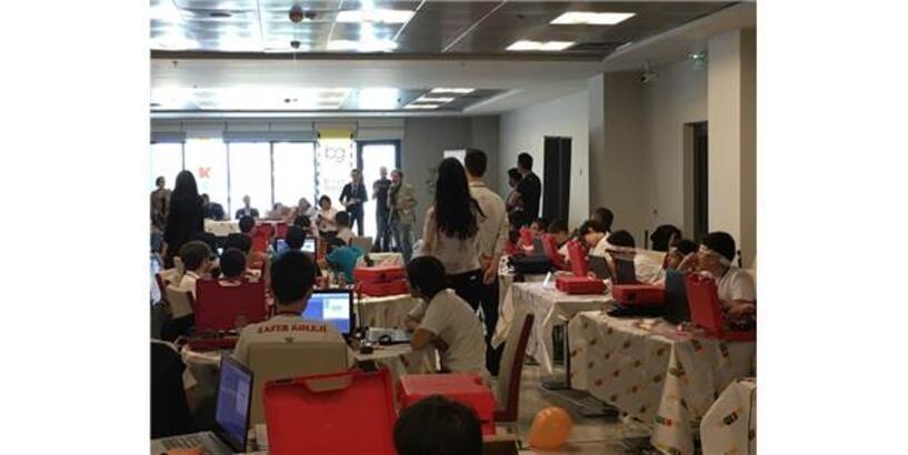 Türkiye'nin Bilişim İle Üreten Çocukları Hackidhon'da Yarıştı