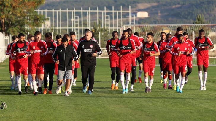 Sivasspor'da Appindangoye ve Rybalka idmana çıkmadı
