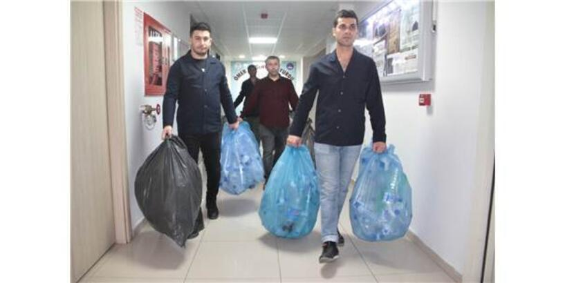 Öğrenciler 20 Gün Atmadı, Poşet Poşet Geri Dönüşüme Gitti