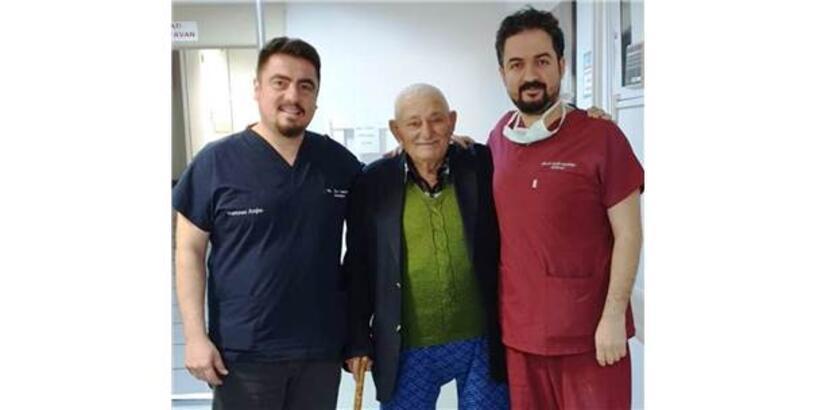 100 Yaşında Ölümcül Ritmden Kurtulup Sağlığına Kavuştu
