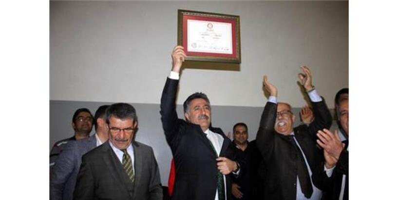 Bayraklı Belediye Başkanı Serdar Sandal Göreve Başladı