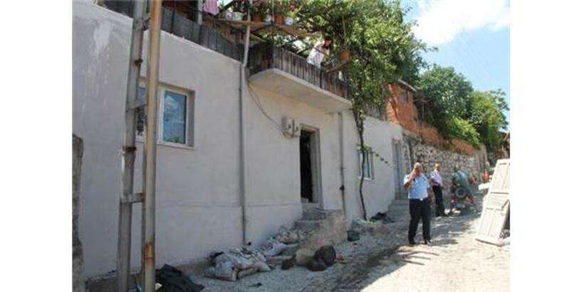 Evden 10 Kamyonet Çöp Çıkarıldı