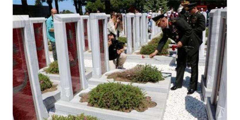 Çanakkale Şehitler Abidesi'nde 15 Temmuz Anması