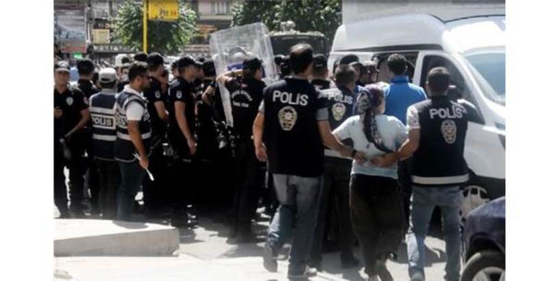 Diyarbakır'da İzinsiz Gösteriye Polis Müdahalesi: 30 Gözaltı