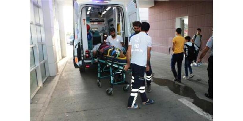 Badamak İçin Çıktığı Araçtan Düşen Kişi Yaralandı