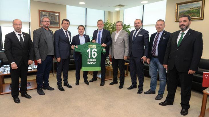 Mesut Mestan: Şehrimizin Bursaspor için kenetlenmesi gerekiyor
