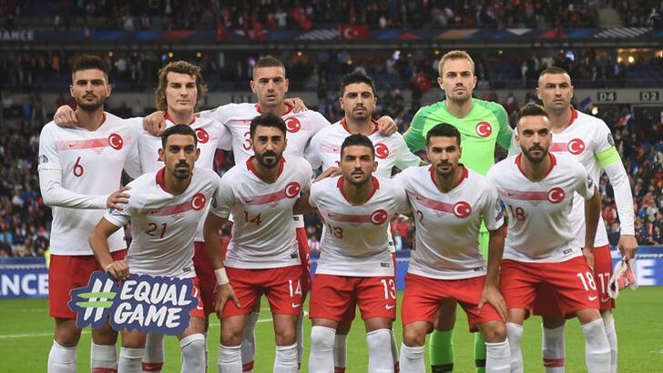 Mert Günok ve Merih Demiral, EURO 2020'de haftanın 11'ine seçildi