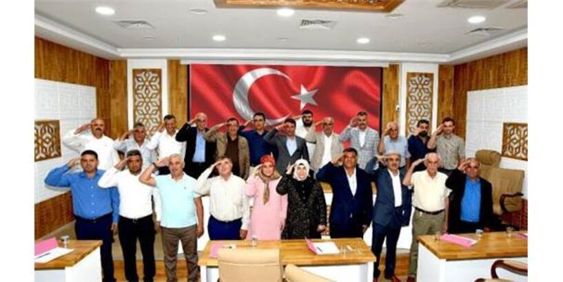 Türkoğlu Belediye Meclisi'nden Mehmetçiğe Asker Selamı