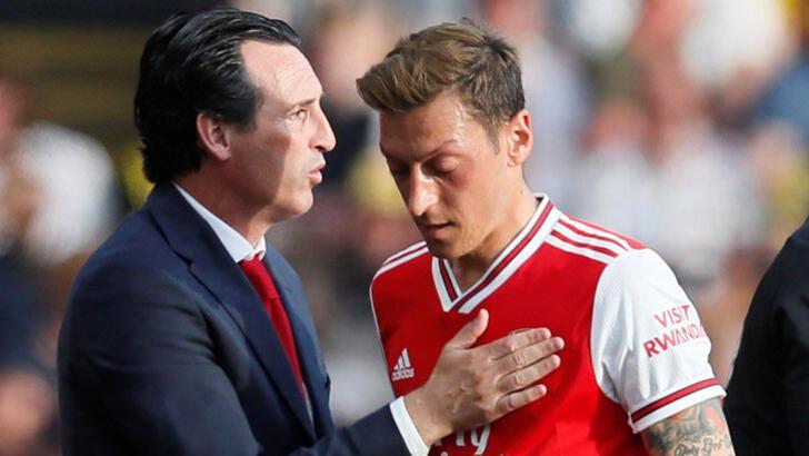 """Unai Emery: """"Mesut Özil'e forma giyme şansını kapamadım"""""""
