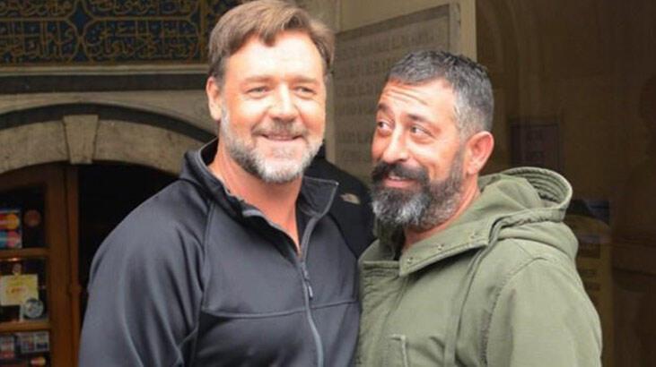 Russell Crowe'dan Cem Yılmaz'a tebrik