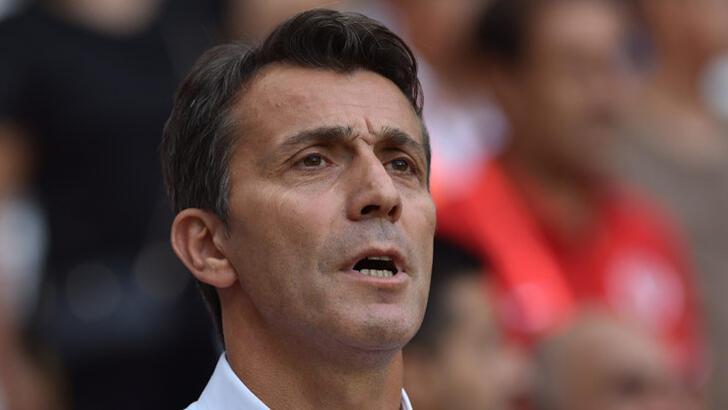 Antalyaspor taraftarı, Bülent Korkmaz'ı istifaya çağırdı!