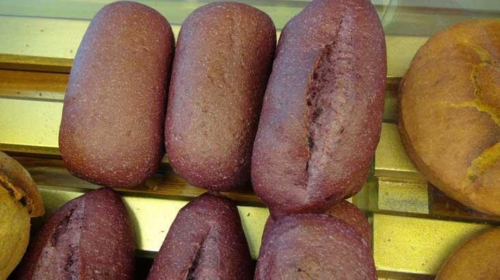Türkiye'de ilk kez üretildi! Mor ekmek...