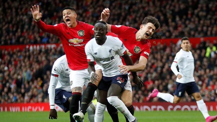 Manchester United, Liverpool'un serisine son verdi