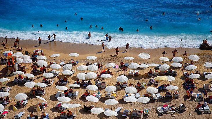 """Antalya turizmde """"rekora"""" doymuyor"""