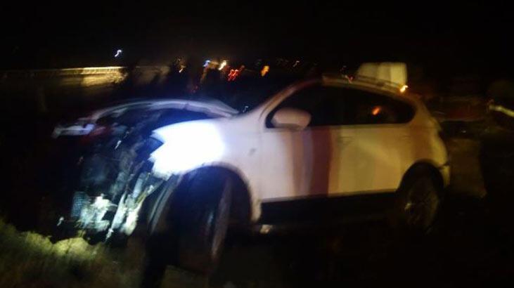 Otomobil karşı yönden gelen minibüse çarptı: 4 yaralı
