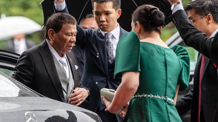Filipinler lideri Duterte Japonya gezisini yarıda kesti