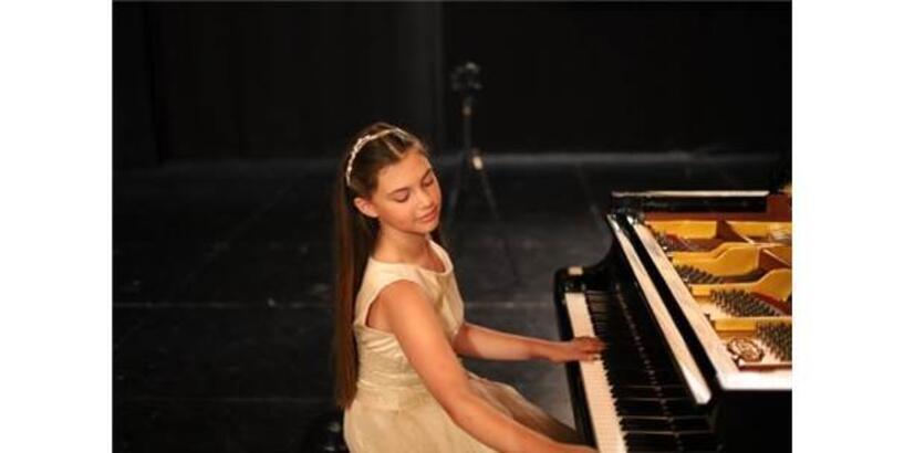 İlyun Bürkev, Çukurova Devlet Senfoni Orkestrası İle Sahne Alacak