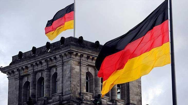 Almanya'da bileşik PMI hafif yükseldi