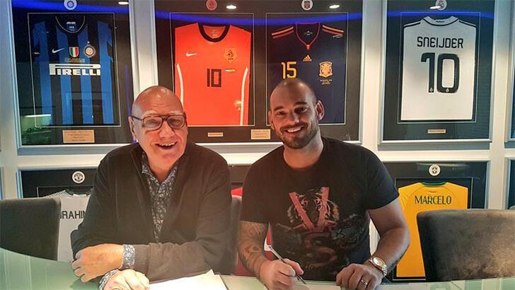 Sneijder'in hayatı kitap oluyor