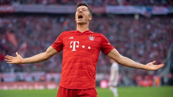 Bayern kazandı, Lewandowski rekor kırdı!