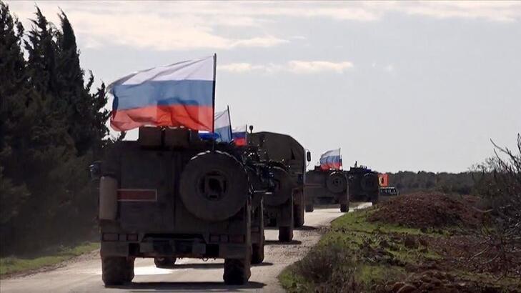 Rus takviye zırhlı araçlar Suriye'ye ulaştı
