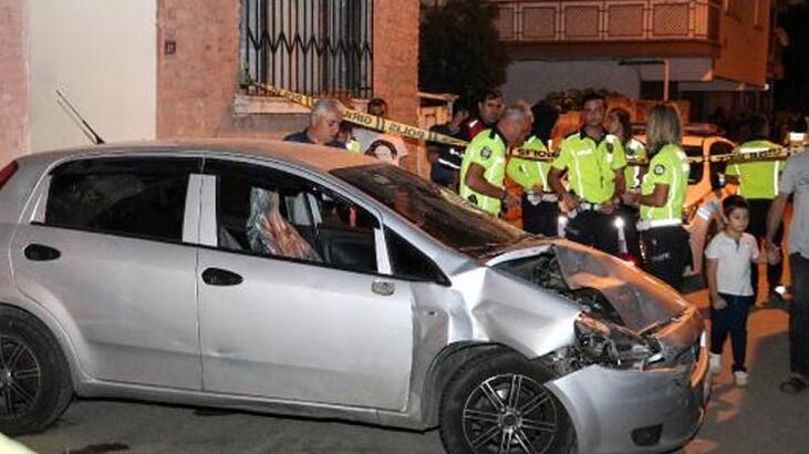Otomobilin çarptığı kız, duvar ile kamyonet arasına sıkıştı!