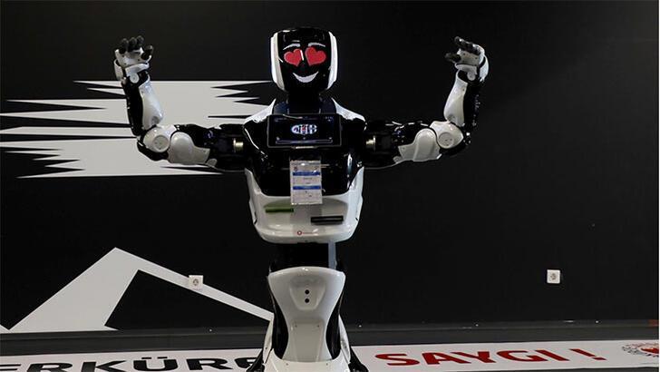 Robot Veysi, derbiyi izledi