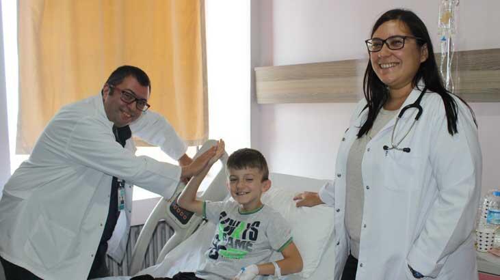 Zatürre nedeniyle başvurdukları hastanede, kalbinin sağda olduğu ortaya çıktı