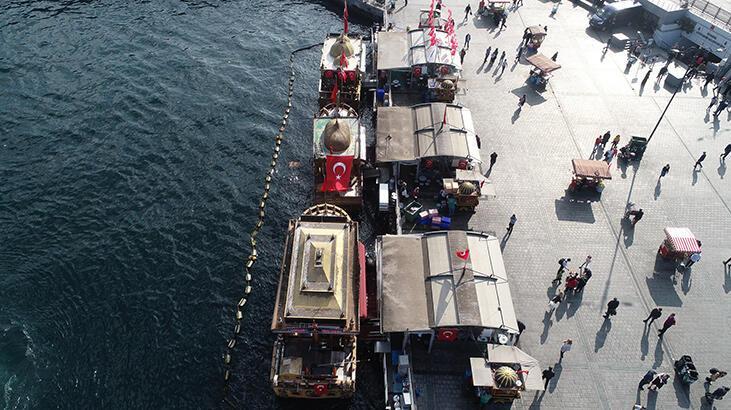 İBB'den Eminönü'nde balık ekmek satan tekneler hakkında flaş karar!