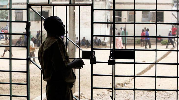Nijerya'da hapishaneyi sel bastı, 228 mahkum kaçtı
