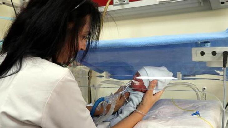 Gaziantep'te annesinin terk ettiği bebeğe doktor sahip çıktı