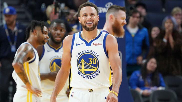 Eli kırılan Stephen Curry 3 ay yok