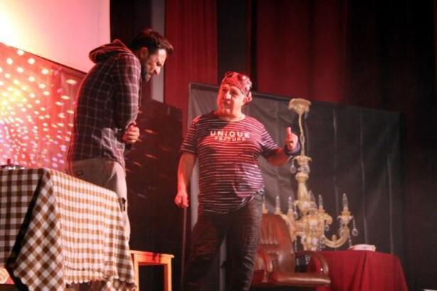 Madde bağımlılığı tiyatro oyunuyla anlatıldı