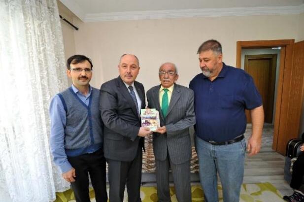 Vali Coşkun'dan yarım asırlık gazeteciye ziyaret