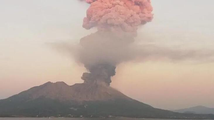 Sakurajima Yanardağı patladı
