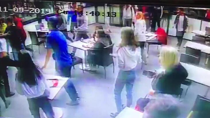 Uzman çavuş restorandaki kavgayı havaya ateş açarak sonlandırdı