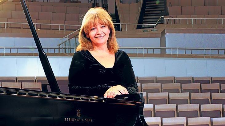 Piyanonun ustaları Antalya'da çalacak