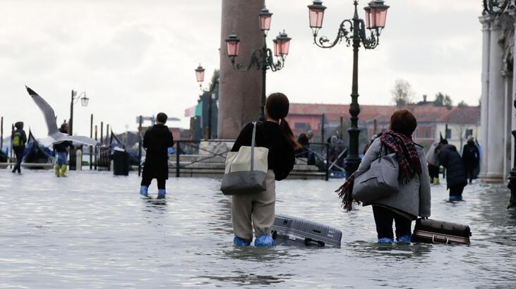 Venedik'te 53 yılın en büyük su baskını!