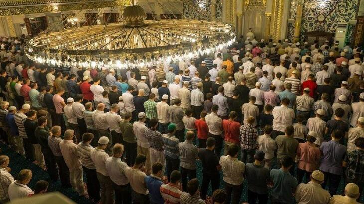 Cuma Namazı kılınışı - Cuma namazı kaç rekat ve nasıl kılınıyor?