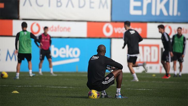 Beşiktaş'ta izin bitti! Atiba dönüyor...