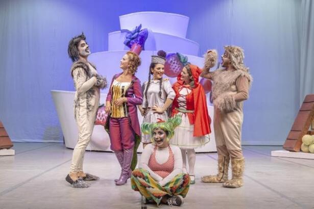 'Şekeronya' tekrar sahnede