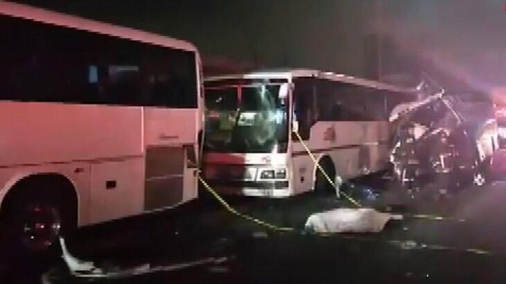 Üç otobüs birbirine girdi: 11 ölü, 25 yaralı