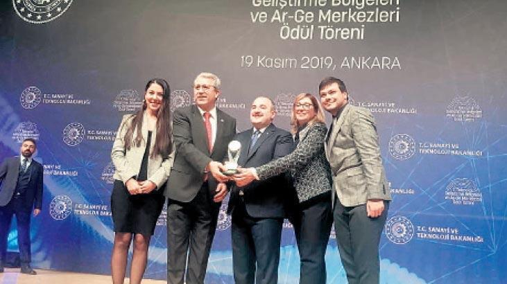 Ege Teknopark'ın ilk ödülü Bakan Varank'tan