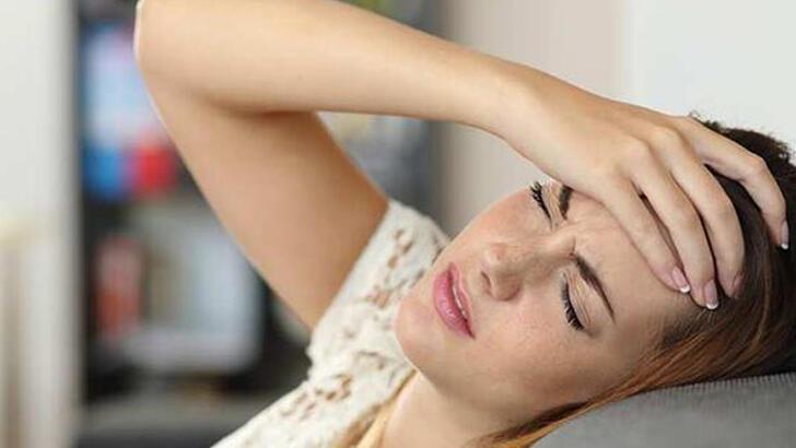 Baş ağrısına ne iyi gelir, nasıl geçer? Şiddetli baş ağrısını ne geçirir? (Evde doğal çözümler)