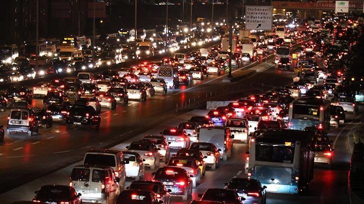 İstanbul'da trafik yoğunluğu! Yüzde 76'ya ulaştı