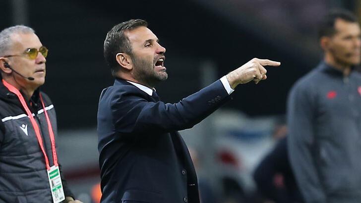 """Okan Buruk: """"Galatasaray'ın 3'lü savunma oynayacağını tahmin ettik"""""""